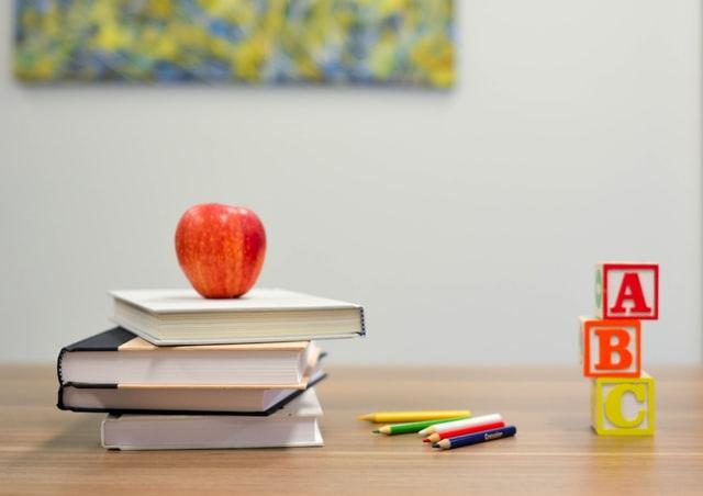斷捨離物品怎麼處理:書籍捐贈、玩具捐贈、幫助偏遠孩童、弱勢團體、教科書課本捐贈、處理