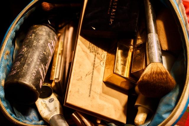 斷捨離物品怎麼處理:化妝品、保養品、彩妝捐贈處理、寶島淨鄉團