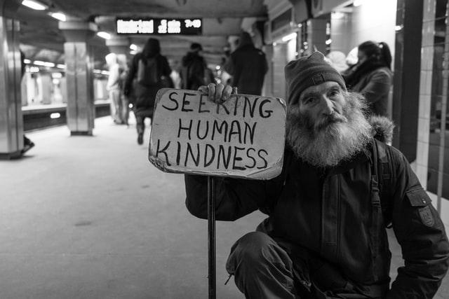 斷捨離物品怎麼處理: 舊衣贈送、愛心贈物、公益團體、物資募集、認購、幫助弱勢團體